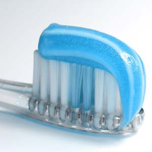Los Angeles Dentist Recommends Brushing & Toothpaste